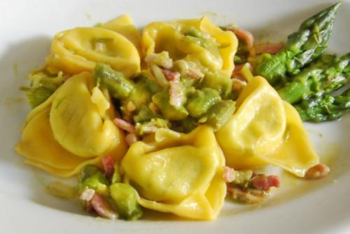 tortelloni-asparagi-e-spek