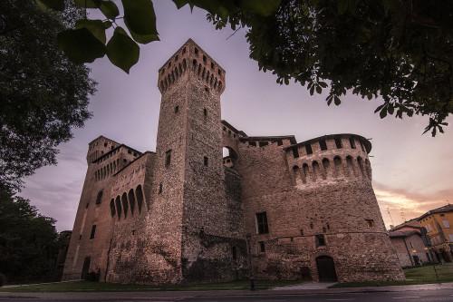 Rocca_di_Vignola2